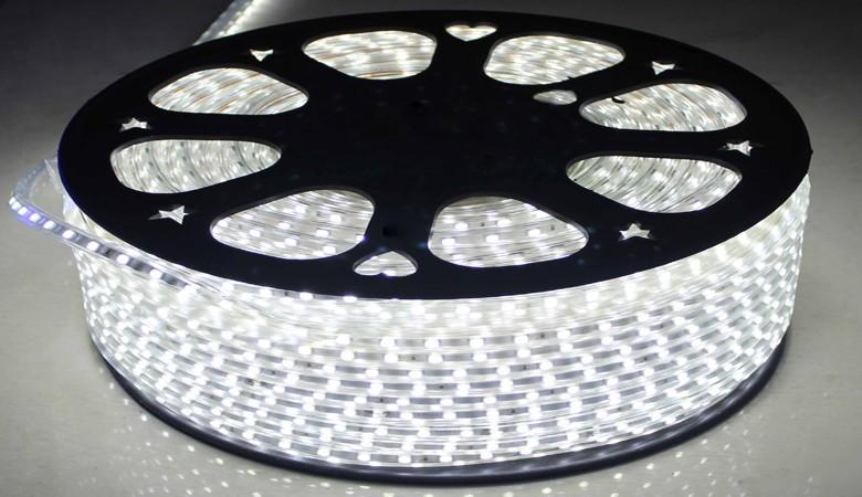 LED juostelės ir jų priedai